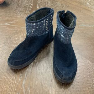 BOBS navy faux suede ankle moccasin style boots